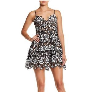 L'atiste dress Black and white floral